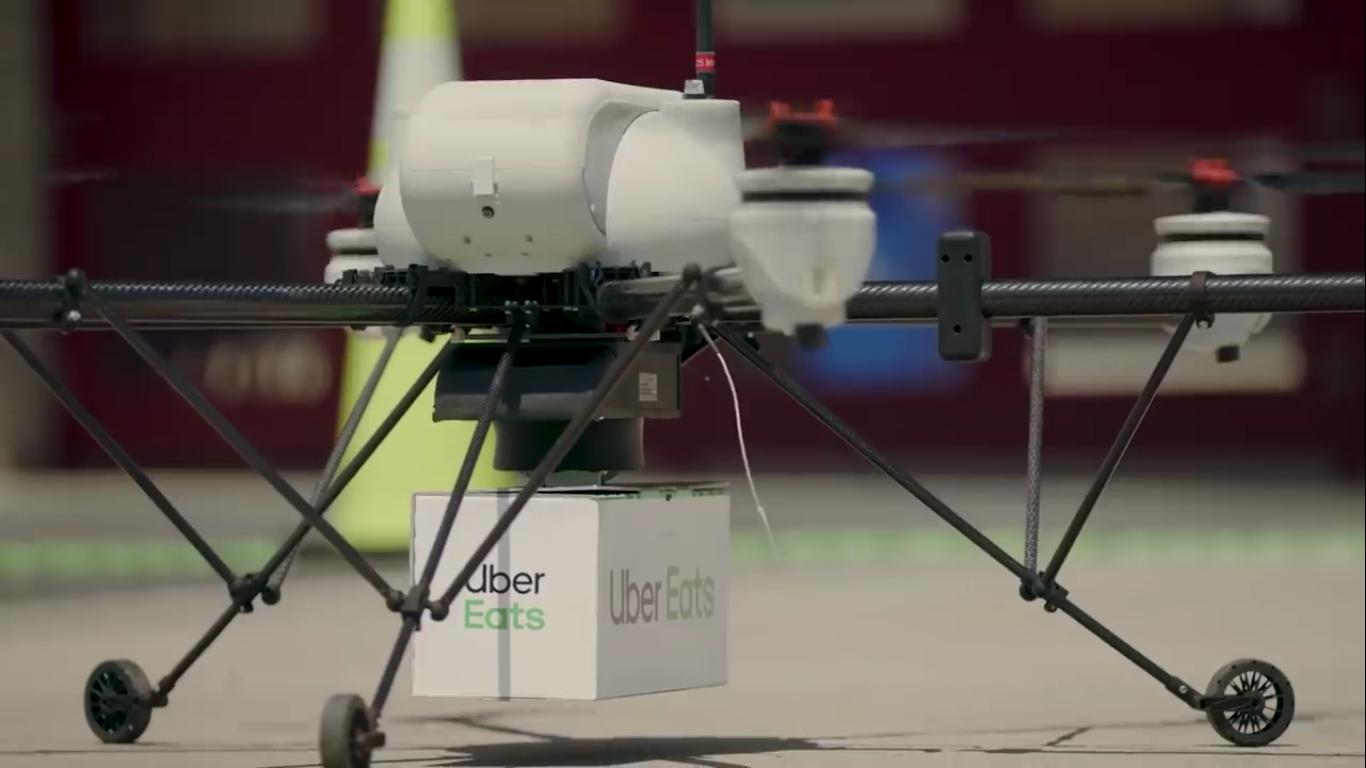 Uber Eats испытала процедуру доставки еды дроном в городе - 1