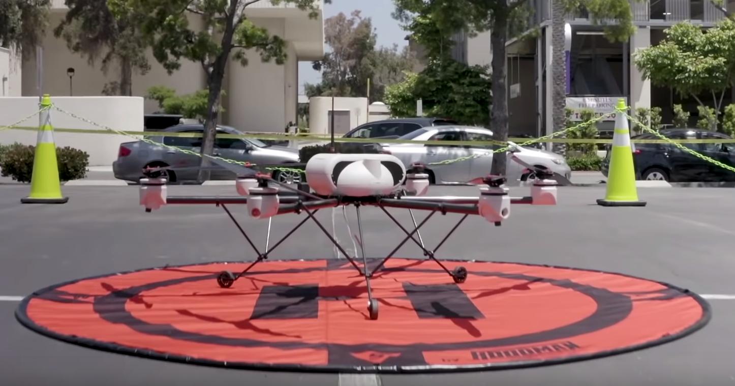 Uber Eats протестировала доставку еды дроном в городе