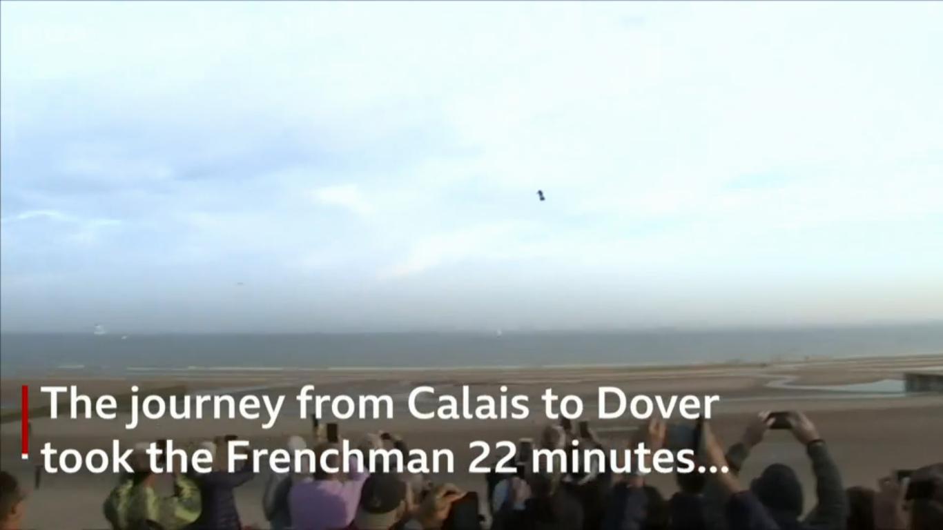 Французский изобретатель пересек Ла-Манш на самодельном флайборде - 5