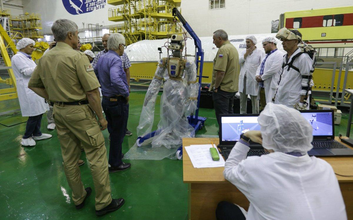Совет главных конструкторов по российскому сегменту МКС разрешил запуск корабля «Союз МС-14» с роботом FEDOR - 5
