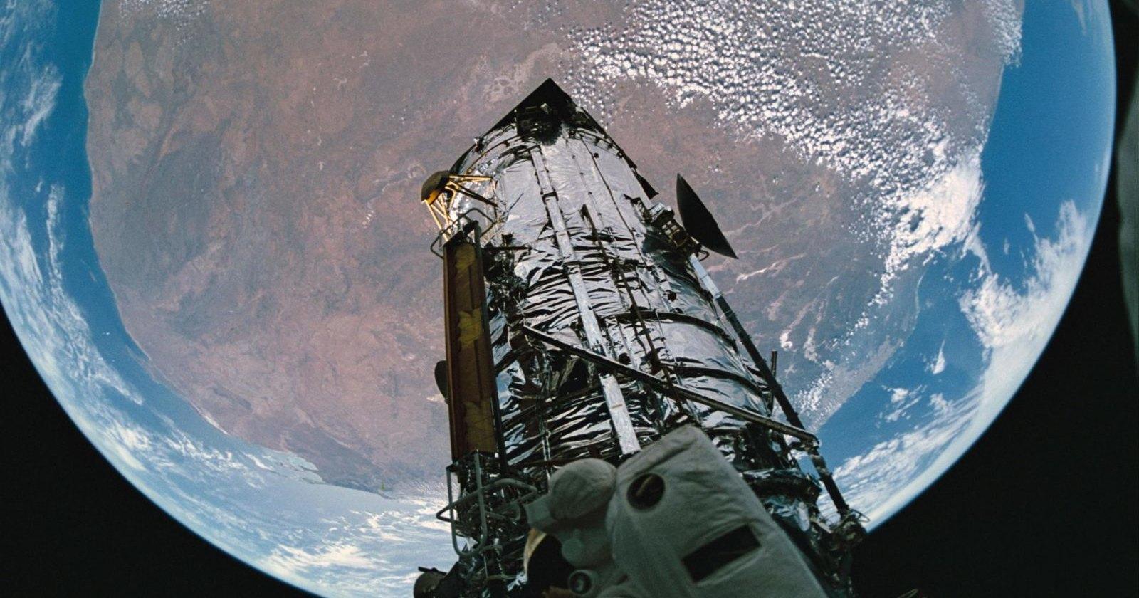 Земля может стать линзой телескопа