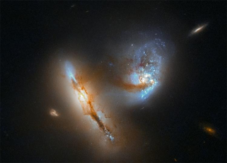 Фото дня: причудливый космический вальс