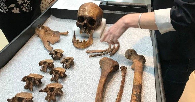 Жуткие находки в гробнице настоящего вампира: череп и кости