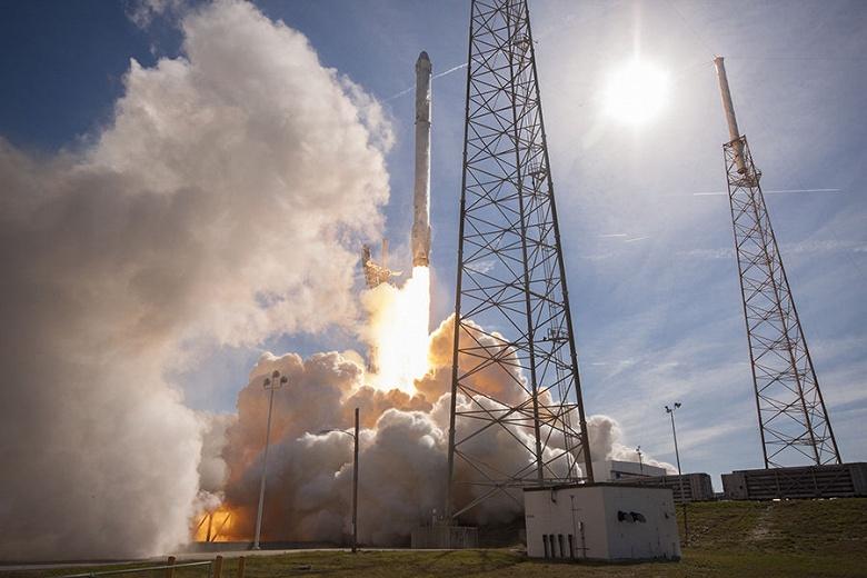 SpaceX переносит модель «райдшеринга» на запуск спутников