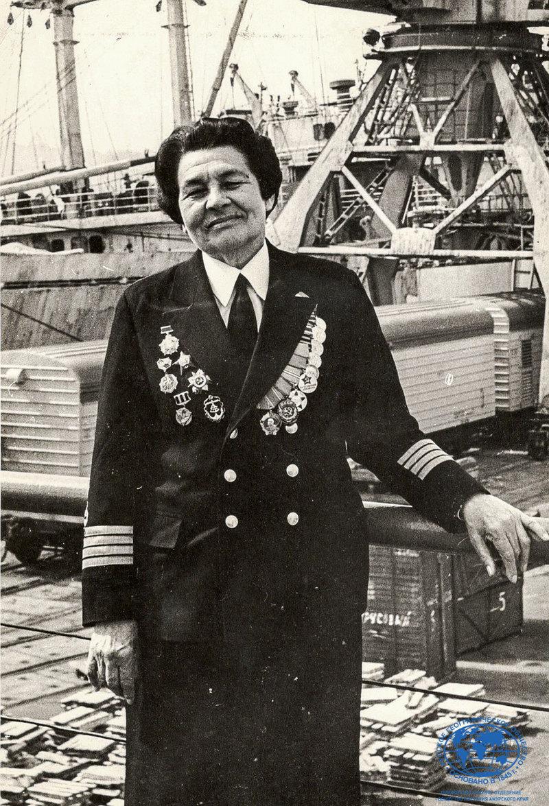 Женщина-капитан дальнего плавания: первая в мире, из СССР