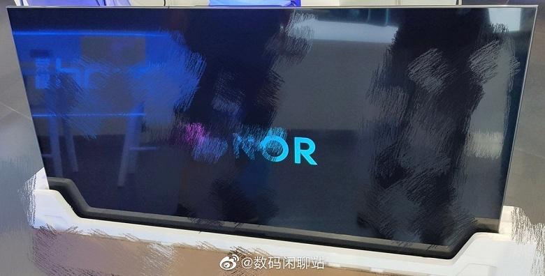 Живые фото и характеристики телевизора Honor Smart Screen