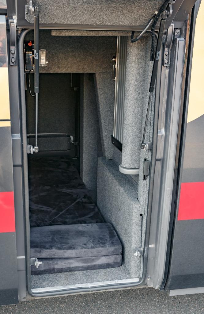 Как европейская автобусная компания работает в России: чем отличаются автобусы и пассажиры - 16