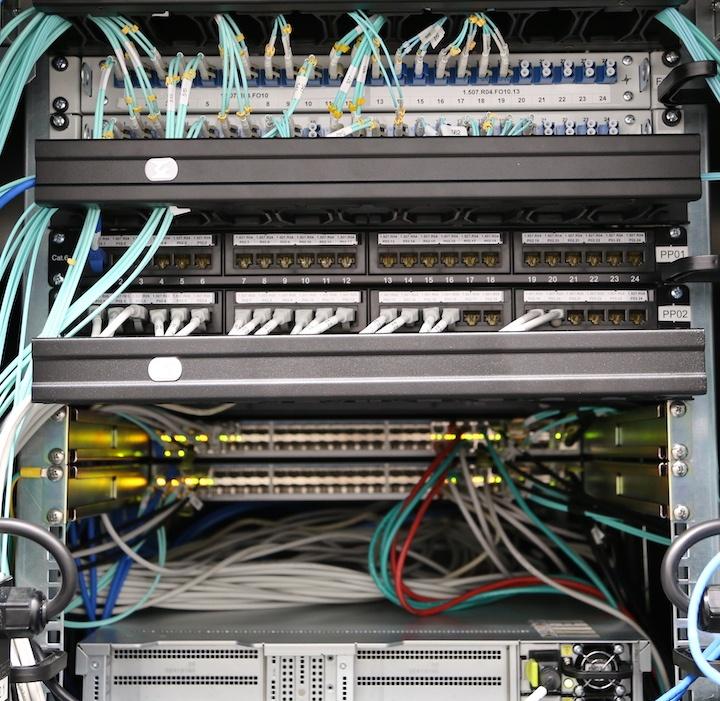 Как мы спроектировали и реализовали новую сеть на Huawei в московском офисе, часть 3: серверная фабрика - 4