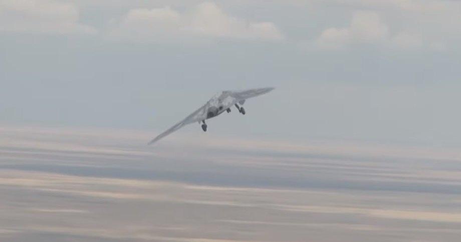 Первый полет новейшего беспилотного летательного аппарата «Охотник»