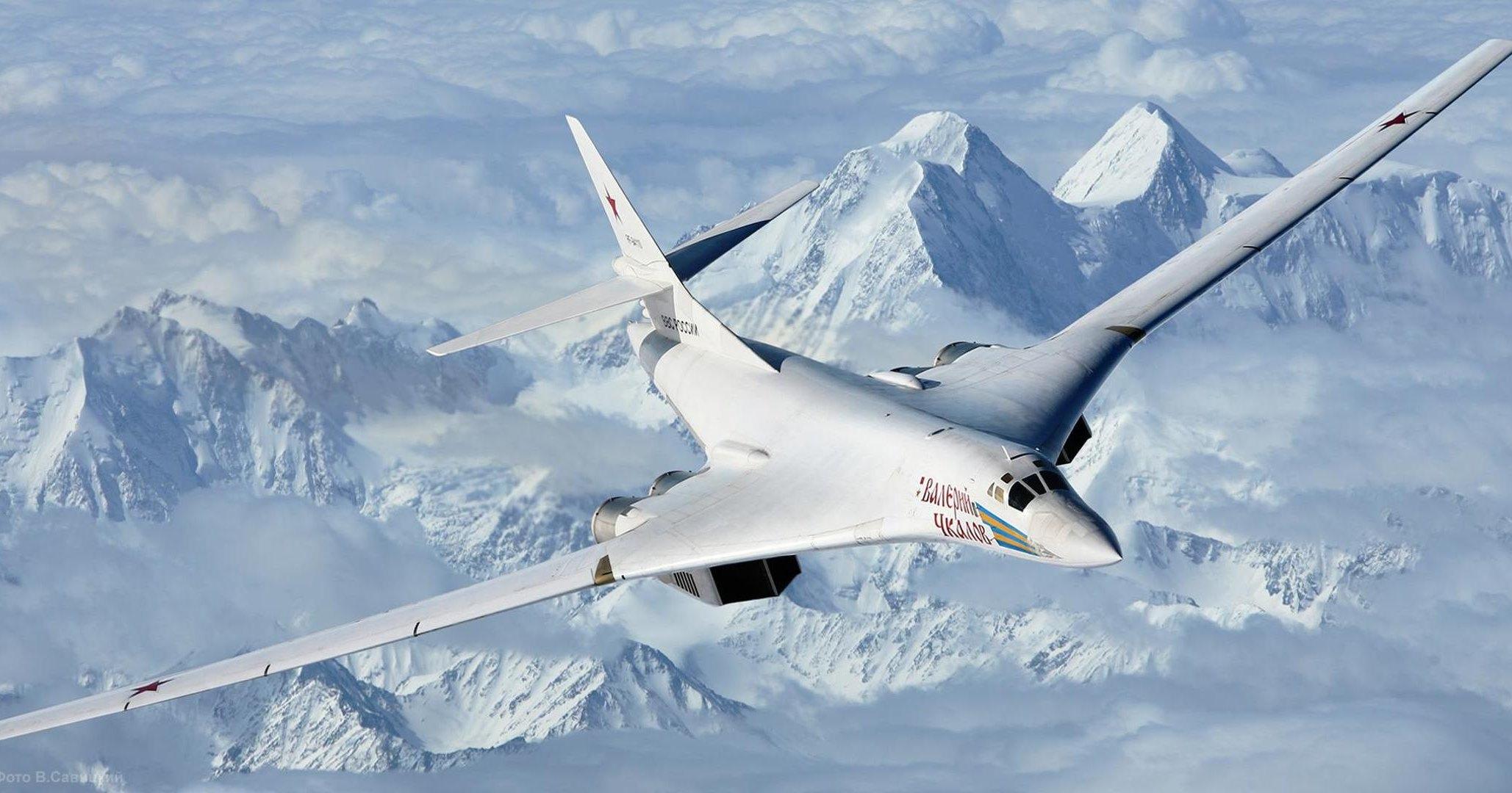 Уникальный «Белый лебедь» в воздухе: видео