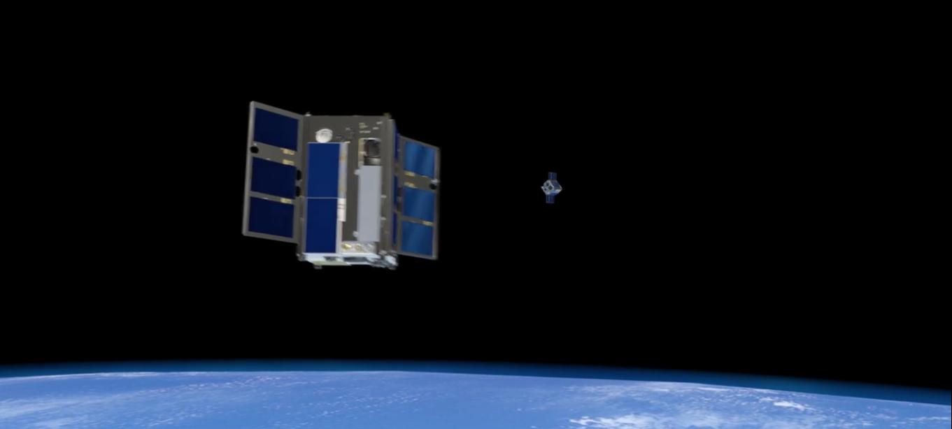 В NASA испытали систему автономного управления одного микроспутника другим - 1