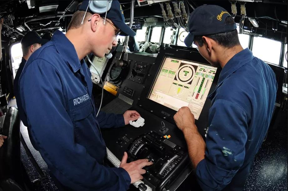 В ВМС США отказываются от использования сенсорных экранов в системах управления боевых кораблей - 2
