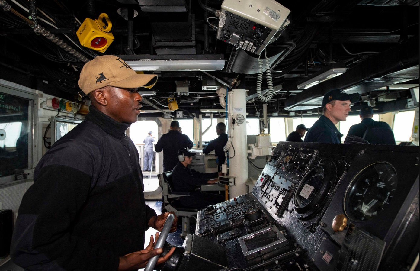В ВМС США отказываются от использования сенсорных экранов в системах управления боевых кораблей - 7