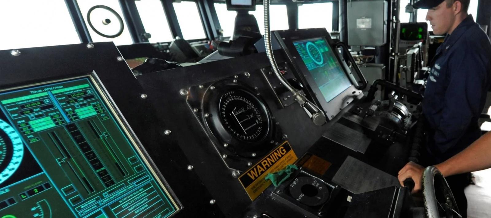 В ВМС США отказываются от использования сенсорных экранов в системах управления боевых кораблей - 1