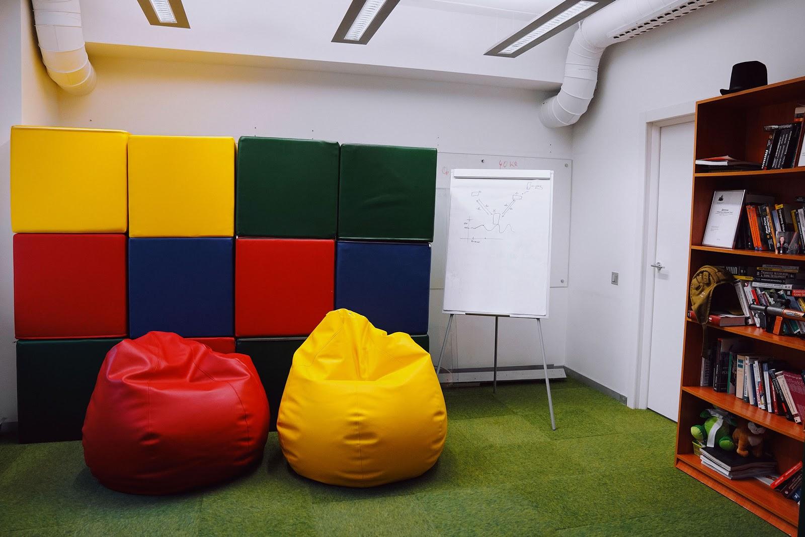 Комфортный офис — помогает работать или мешает и отвлекает? Ответят Sidenis, Alternativa Games и FunBox - 11