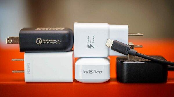 Емкий аккумулятор и быстрая зарядка. Как россияне выбирают новые смартфоны