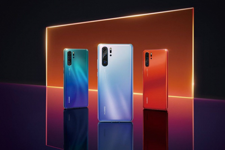 Флагман Huawei снова назван лучшим смартфоном года