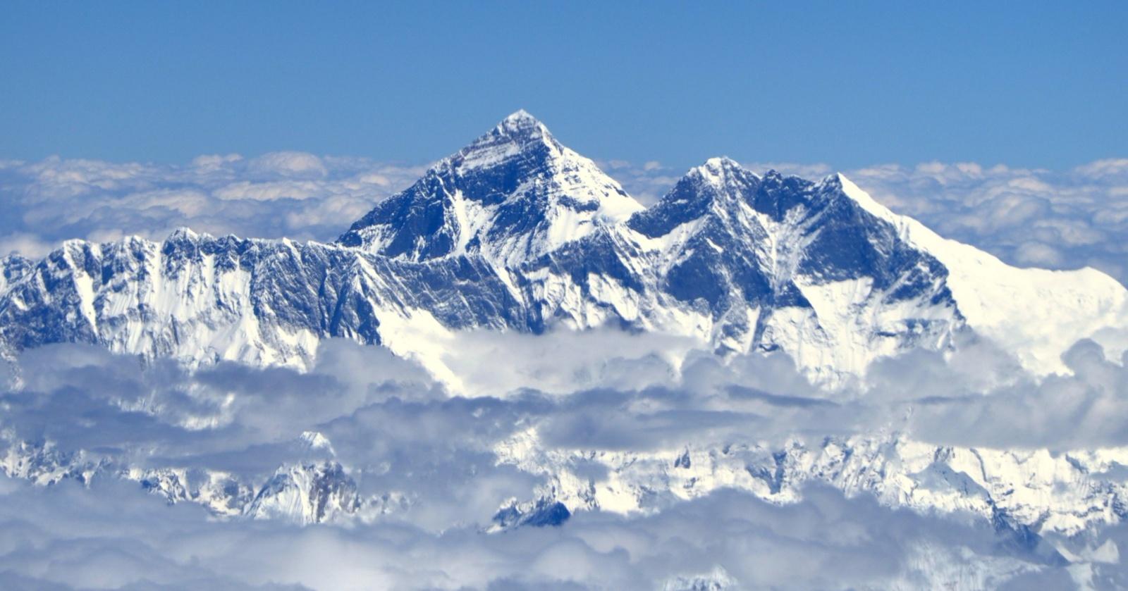 Непал ограничит доступ на Эверест