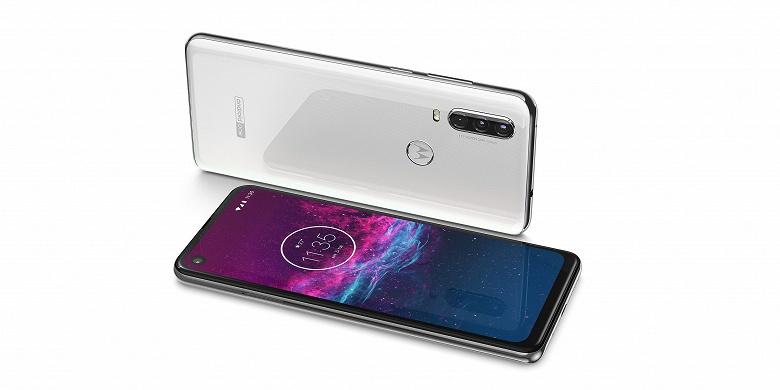 Motorola One Action — первый в мире смартфон, который позиционируется в качестве альтернативы экшн-камере