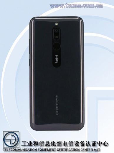 Redmi Note 8 впервые позирует на живых фото
