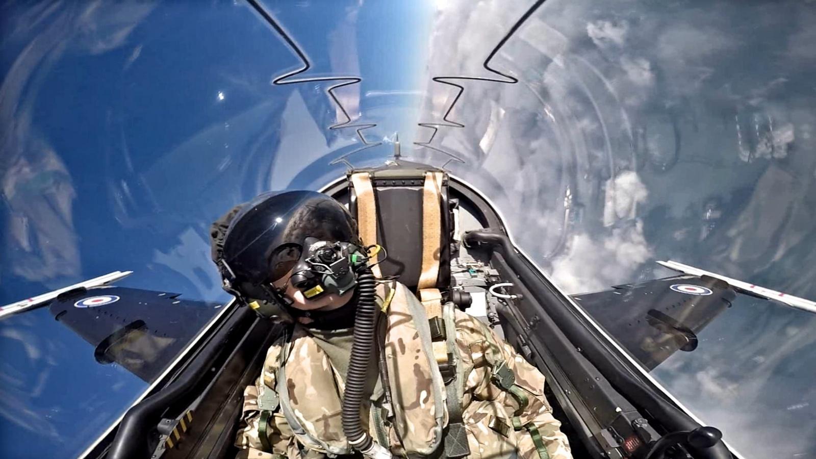 Почему лучшие лётчики-истребители часто попадают в крупные передряги - 1