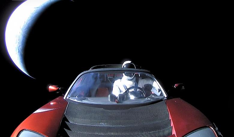 Манекен Tesla Starman завершил свой первый оборот вокруг Солнца