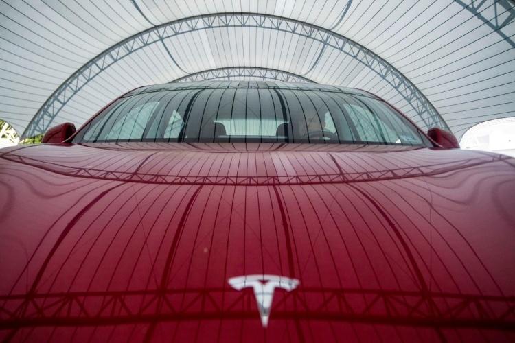 Немецкая фирма по прокату автомобилей отменила заказ на автомобили Tesla из-за качества
