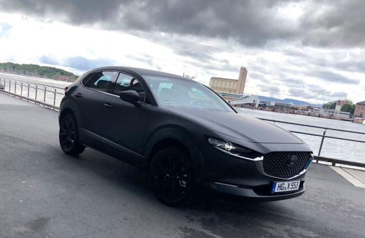 Первый электрокар Mazda замечен на улицах Норвегии