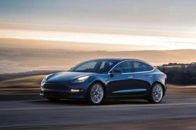 Сингапур отверг рекламируемый Tesla «электрический образ» жизни