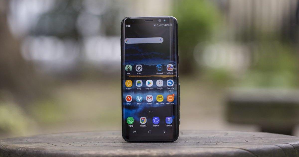 Смартфоны Samsung и Apple оказались вредными для человека