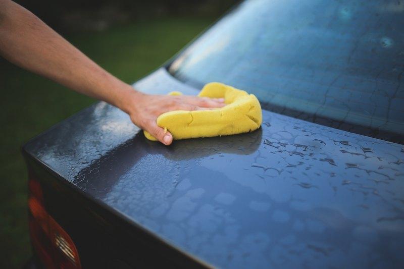 8 гениальных лайфхаков для автовладельцев: избавьтесь от царапин и пятен