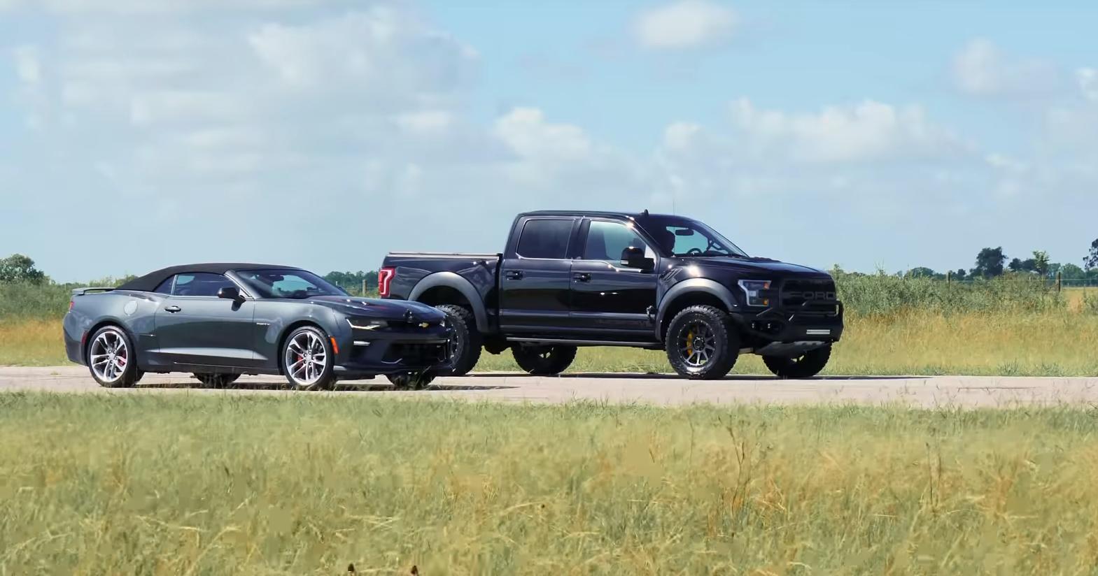 Модифицированный Ford F-150 Raptor против Chevrolet Camaro SS: дрэг-гонка