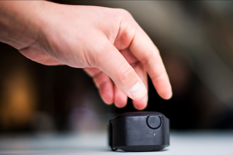 Разработан браслет, способный предсказывать вспышки агрессии при аутизме