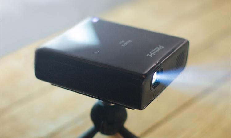 Philips PicoPix Max: компактный проектор Full HD на базе Android