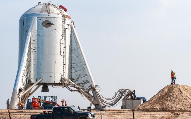 Полиция просит местных жителей покинуть дома на время тестирования SpaceX Starhopper