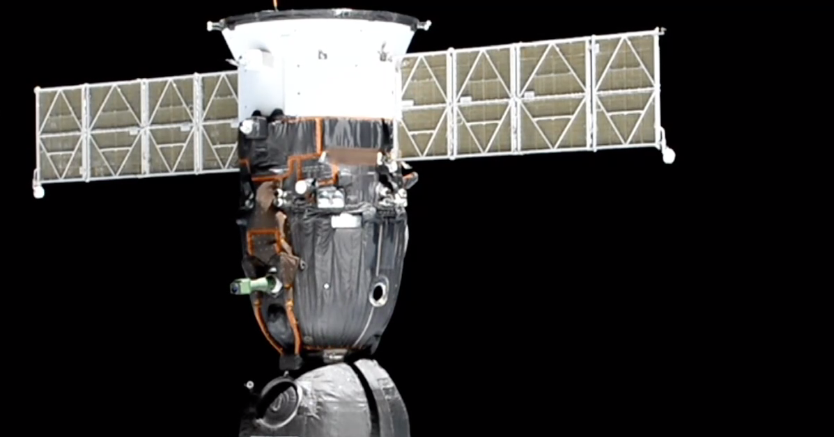 «Союз МС-13» успешно перестыковался, освободив модуль «Звезда» для «Союза МС-14»