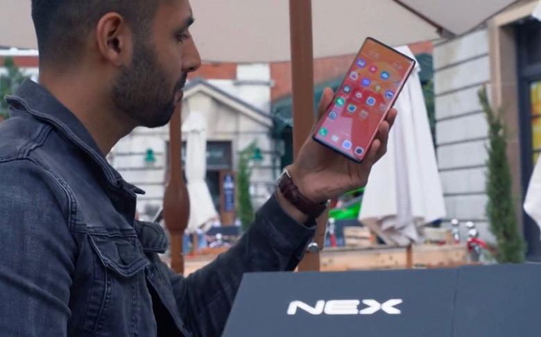 Vivo Nex 3 с экраном-водопадом и выдвижной камерой красуется на живых фото