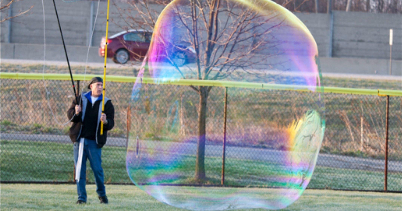 Найден рецепт создания гигантских мыльных пузырей