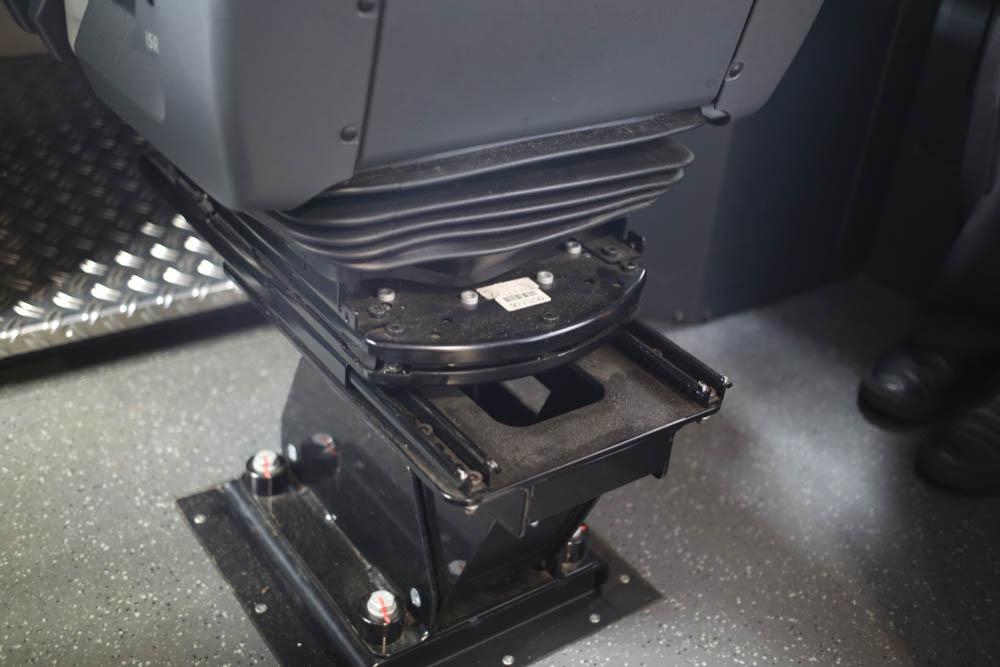 В кабине машиниста поезда - 29