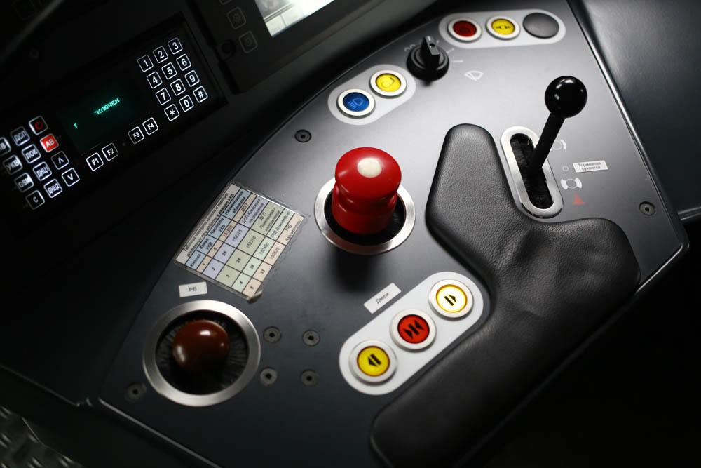 В кабине машиниста поезда - 1