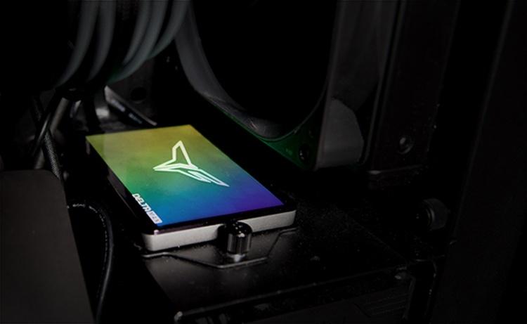 Team Group наделила SSD-накопитель Delta Max RGB эффектной подсветкой