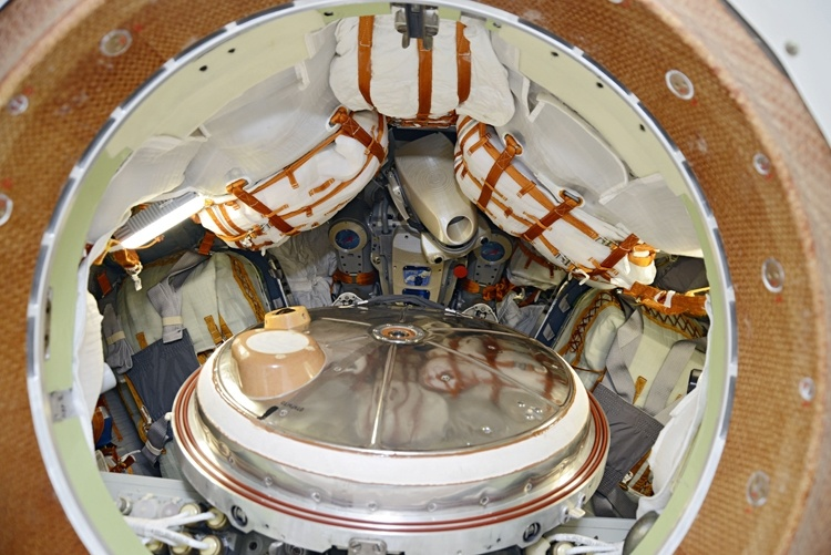 Робот FEDOR — много фото и даже видео с МКС, подготовка космонавта-оператора и первые испытания робота - 3