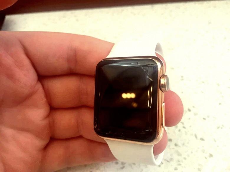 Apple начала менять экраны умных часов Apple Watch Series 2 и Series 3, на которых появились трещины