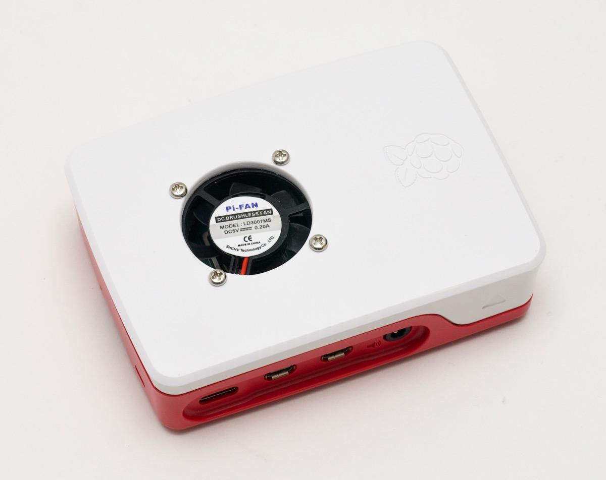Разноцветный башенный кулер для Raspberry Pi способен снизить температуру сразу на 40° - 4