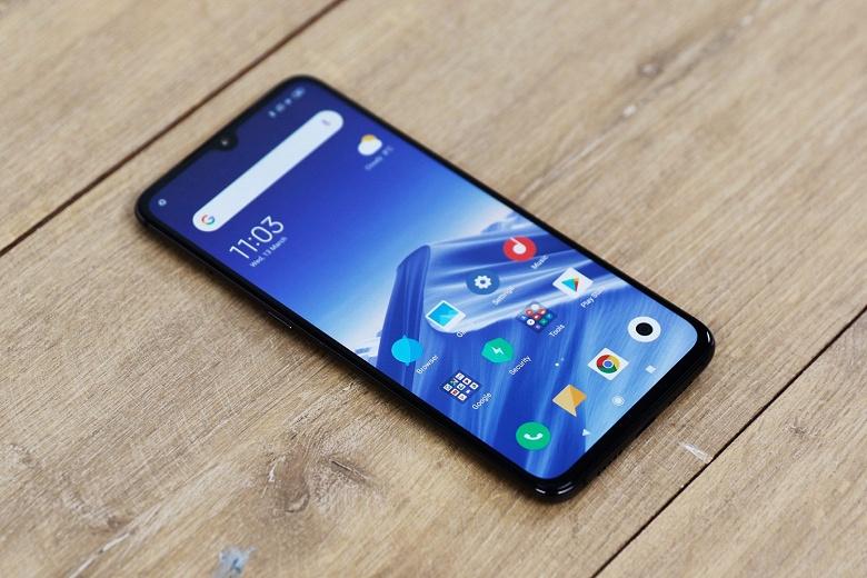 Xiaomi готовит новинку. Флагманский смартфон Xiaomi Mi 9 заметно подешевел
