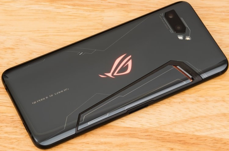 Представлен смартфон ASUS ROG Phone II Ultimate Edition: чип Snapdragon 855 Plus, 12 Гбайт ОЗУ и 1 Тбайт ПЗУ