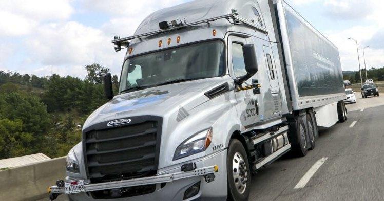 Daimler вывел свои беспилотные грузовики на дороги общего пользования