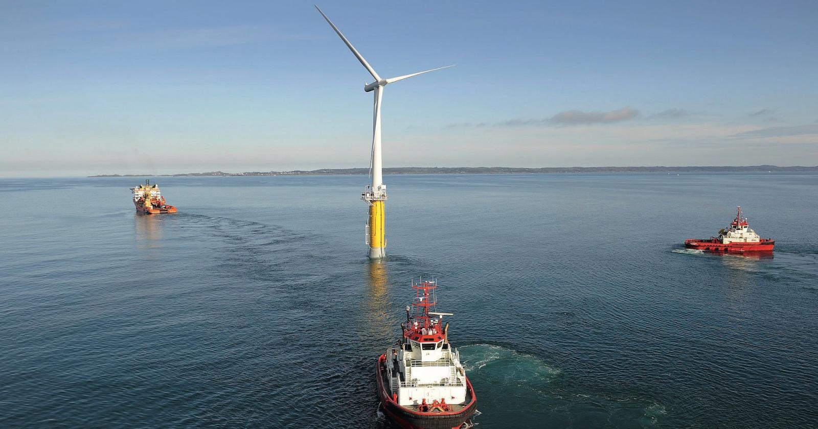 Энергия двух стихий: зачем в море строят ветряки