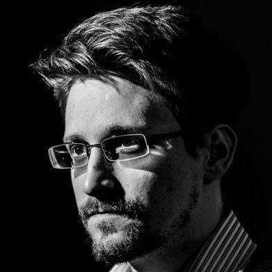 Эдвард Сноуден не советует использовать WhatsApp и Telegram - 1