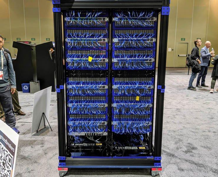 Oracle показала суперкомпьютер из 1060 модулей Raspberry Pi 3 B+